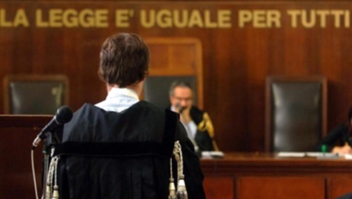 DECRETO PENALE DI CONDANNA: ILLEGITTIMA FACOLTA'DEL QUERELANTE DI OPPORSI ALLA DEFINIZIONE DEL PROCEDIEMNTO MEDIANTE RITO MONITORIO